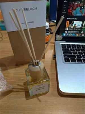 Marketing AsmaraKu verified customer review of Outerbloom Nature Breeze Reed Diffuser