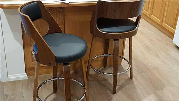 Just Bar Stools Sabrina Bar Stool (Set of 2) Black Review