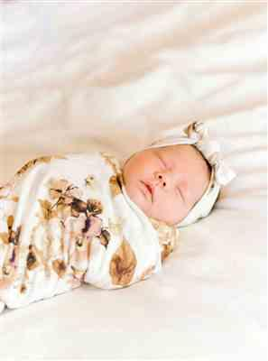 Denise G. verified customer review of Reese Floral Swaddle Headband Set