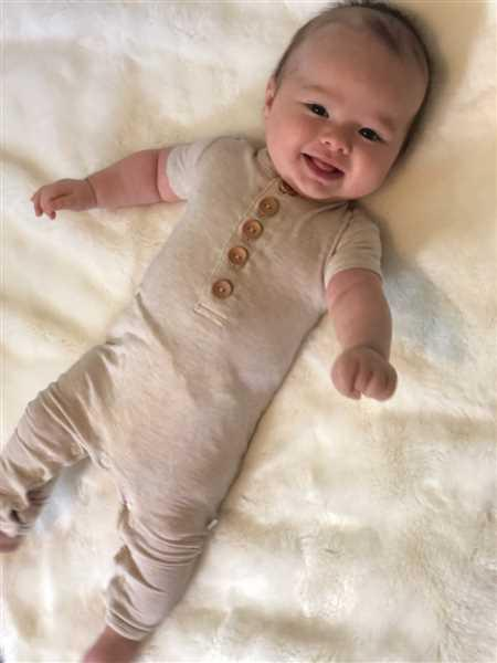 Posh Peanut Tan Heather Short Sleeve Henley Romper Review