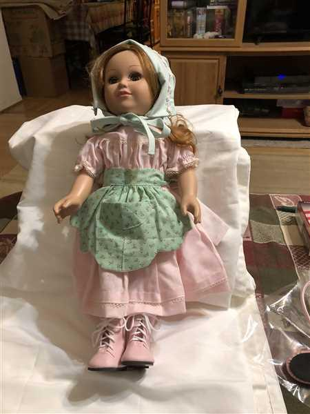 Lizabeth  verified customer review of 1850s Spring Gathering 18 Doll Clothes Pattern