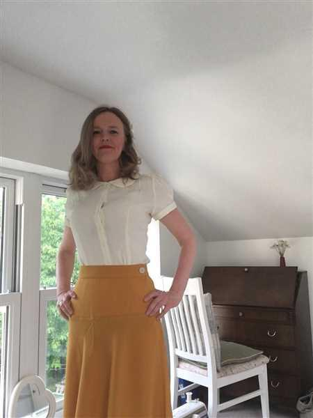 Weekend Doll Pretty Mustard A line Swing Skirt Review