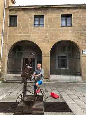 Marie J. verified customer review of 2020 edition: From St. Jean Pied de Port to Santiago de Compostela (W/FREE Passport)