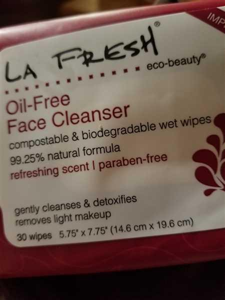 LA Fresh Natural Oil-Free Face 'N' Hand Refresher Wipe-30 count pouch, 12 pouch per case (total 360 wipes) Review