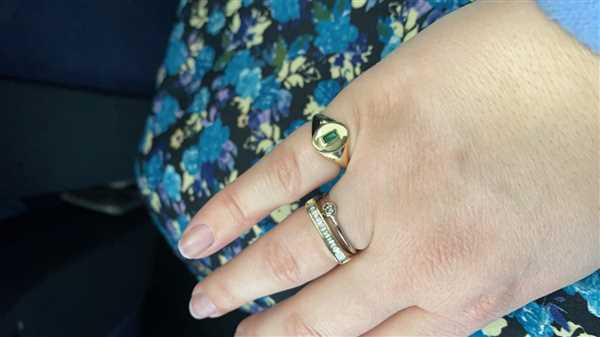 Hannah Cross verified customer review of 14k Gold Baguette Emerald Signet Ring