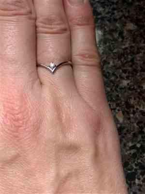 Kristin Curanaj verified customer review of 14K Gold Chevron Diamond Ring