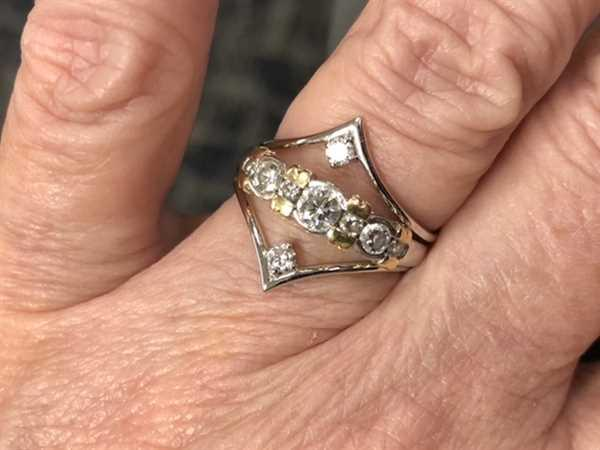 Anonymous verified customer review of 14K Gold Chevron Diamond Ring