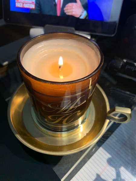 Leakena Pech-or verified customer review of Japanese Quince Candle