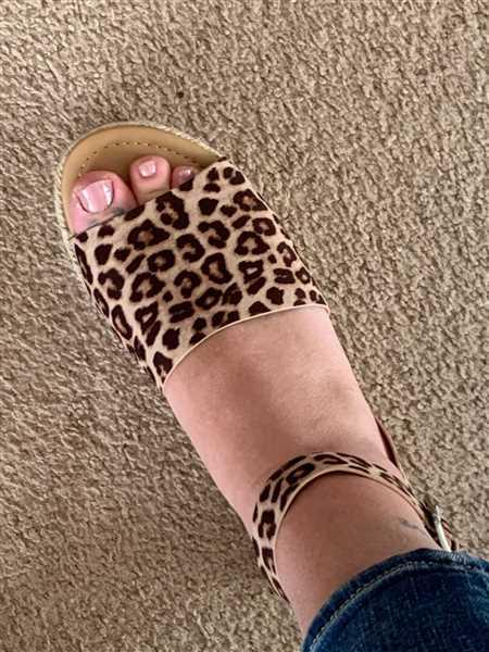 Tiffany Difloure verified customer review of Leopard Or Not Flatform Sandals