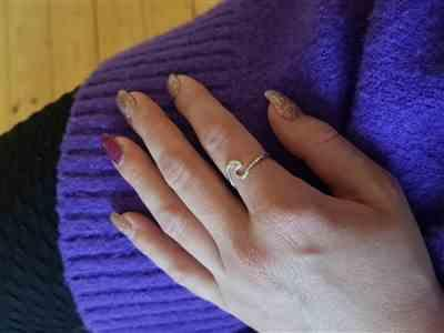 Laura Molina Holstermann verified customer review of PURELEI 'wave' ring
