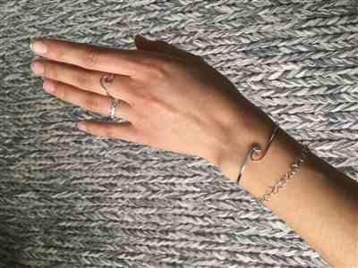 Lina Vierjahn verified customer review of PURELEI 'Wave' Cuff