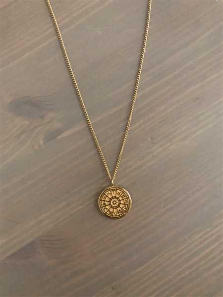 Julia Erdmann verified customer review of PURELEI 'Zodiac' Necklace