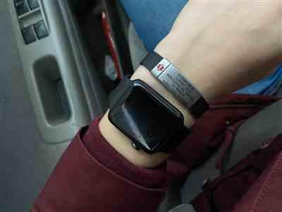 Rebekkah Christensen verified customer review of Silicone Band 13mm