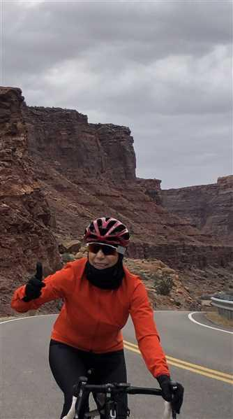 Velocio Women's Signature Softshell Jacket Review