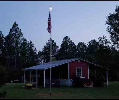Cale verified customer review of Solar Powered Flag Pole UFO Light