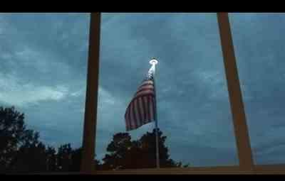 lisa verified customer review of Solar Powered Flag Pole UFO Light