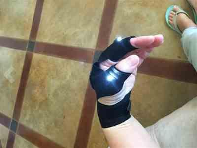 Jen H. verified customer review of Universal Lit Up Glove - A Torch Light That Never Drops!
