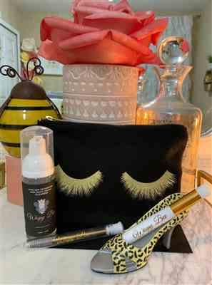 Michelle A. verified customer review of LASH OUT Pouch