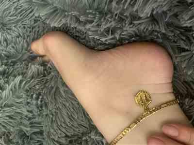 Brooke verified customer review of INITIAL ANKLET