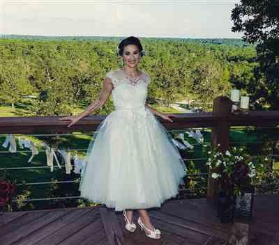 Amanda V verified customer review of Retro Vintage Short Tea Length Lace Wedding Dress | Clover