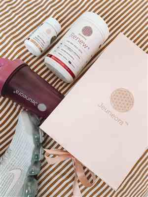 Jerney Solomon verified customer review of Berry Good Beauty Box (NEW)