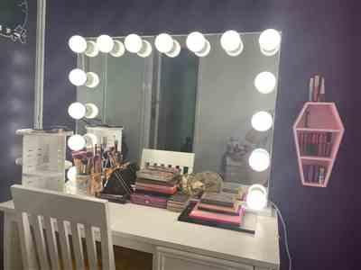 Amy Gurr verified customer review of LUXE Hollywood Mirror