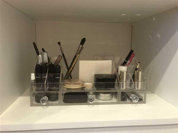 Judith Swain verified customer review of Essential Makeup Station