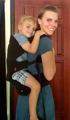 Dara S. verified customer review of HIPSTER™ Essential Baby Carrier Black