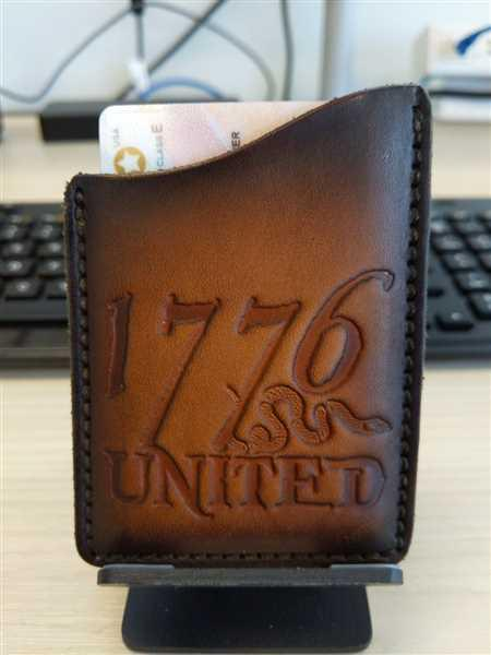Cristian Solis verified customer review of 1776 United® Leather Card Holder