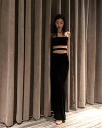 shaojie x. verified customer review of Arianna Pant - Black