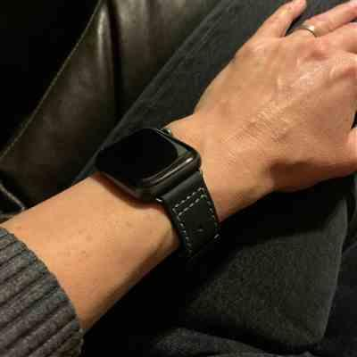 Karina Young verified customer review of Leather Deployant Band