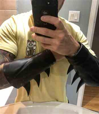 James P. verified customer review of Super Hero gauntlets / bracers with INTERCHANGEABLE fin system (can be made in various colors)