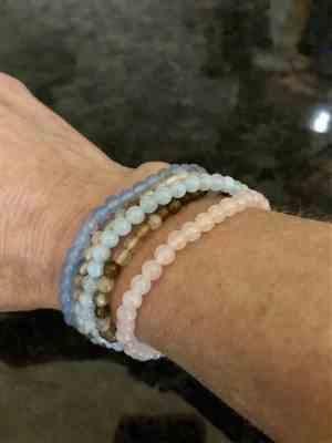 Sivana Mini Gemstone Rose Quartz Bracelet Review