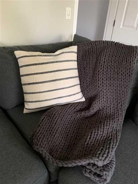 Elizabeth Poe verified customer review of Woven Wool Charcoal Stripe 20 Inch Pillow