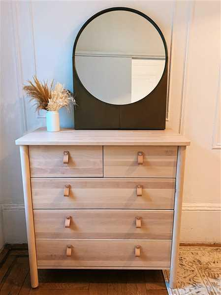 Holistic Habitat  Lune Antiqued Gold Mirror Review