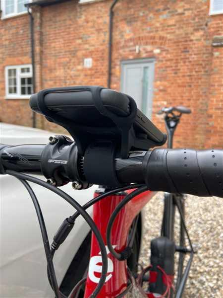BTR Direct Sports BTR Silicone Handlebar Mobile Phone Mount, Fits All Phones & Bikes Review