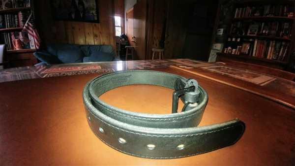 Hanks Belts Black Out Leather Tactical Belt - 17 oz. - 1.5 Review