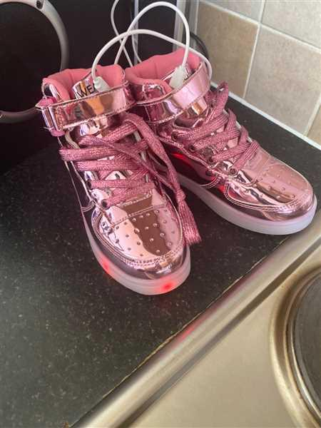 Flash Wear Infants Rose Gold Shoes Review