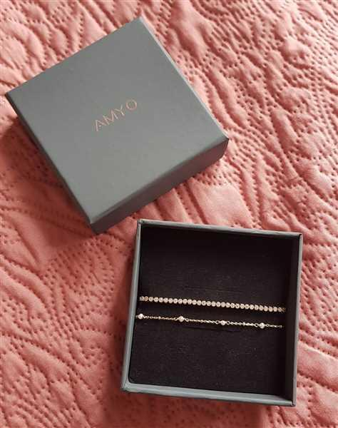 Amy-lee Foley verified customer review of Perla Dainty Bracelet