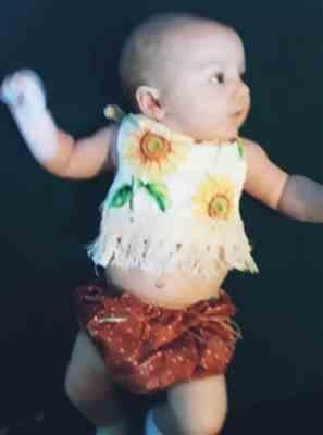 Jannika verified customer review of SUNFLOWER Summer Outfit