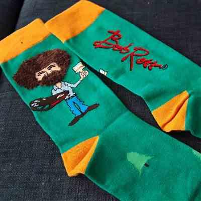 AlwaysFits.com Bob Ross Fuzzy Hair Men's Crew Socks Review
