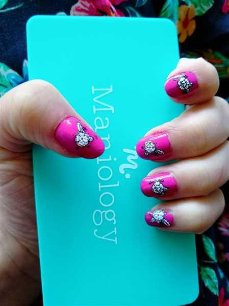 Maniology Spring Occasions Collection: Tulip Julep (B277) Magenta Cream Stamping Polish Review