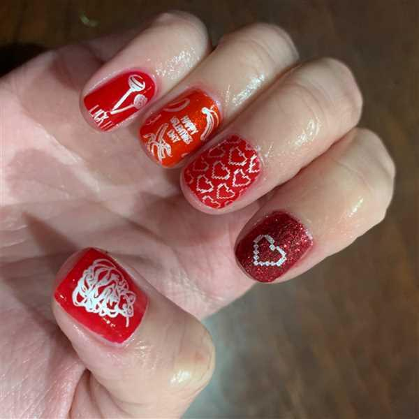 Tammi Tornstrom verified customer review of Forkin' Love Ya (m114) - Nail Stamping Plate