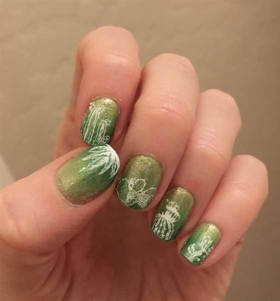 Maniology Botanicals XL: Hands Off/Into the Wild (m068) - Nail Stamping Plate Review