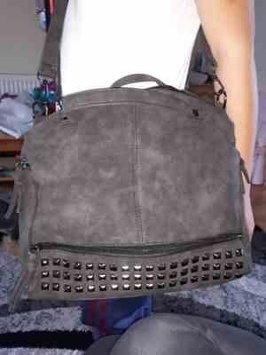 Boots N Bags Heaven Nubuck Leather Messenger Bag Review