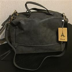 Linda Moreno verified customer review of Nubuck Leather Messenger Bag