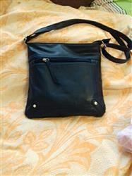 Evelyn Landry verified customer review of Casual Leather Handbag
