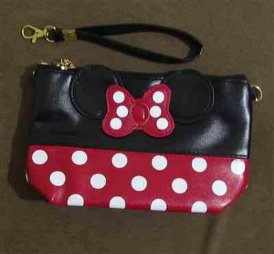 N***A verified customer review of Cute Mouse Cosmetic Bag