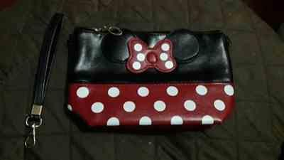 K***z verified customer review of Cute Mouse Cosmetic Bag