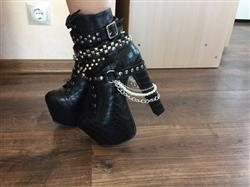 Boots N Bags Heaven Zip Metal Chains Gothic Boots Review
